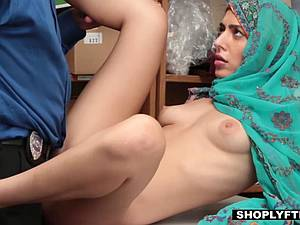 Kinky Muslim sex bomb steals to get her cunt fucked by the awesome policeman